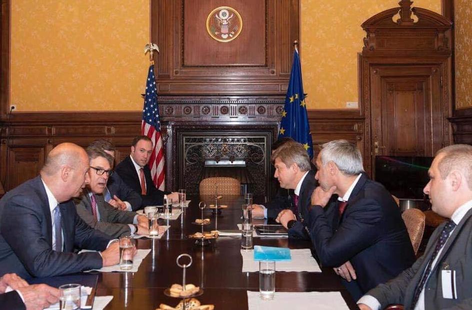 Олександр Данилюк зустрівся з міністром енергетики США Ріком Перрі.